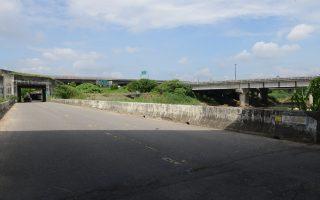 三結橋位於鄉道雲96線,橫跨大湖口溪,為斗南鎮二重溝往來大埤鄉三結村的交通要道,中山高速公路與台78線東西向快速公路在此交會。(雲林縣府提供)