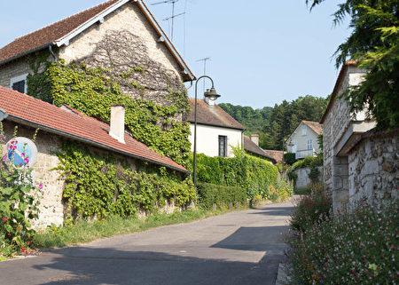 吉維尼小鎮。(歐棒巴黎提供)