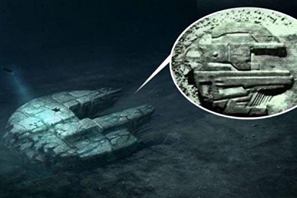 波羅的海海底發現的神秘巨型物,讓所有電子設備失靈。這一距今14萬年卻是金屬質地的巨型物體,藏有太多秘密。(視頻截圖/大紀元合成)