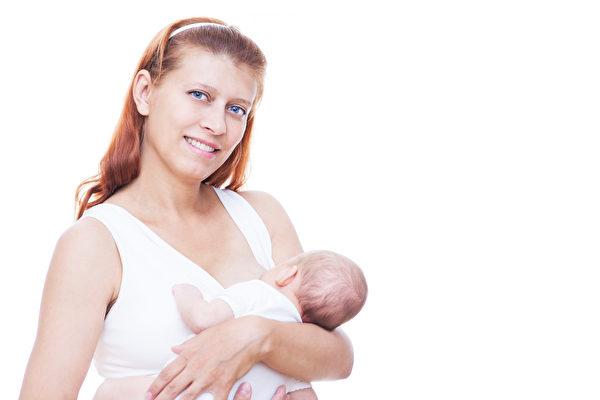 正在哺乳期間的婦女應該食用魚、蛋等食物,以確保自己和孩子的健康。(Fotolia)