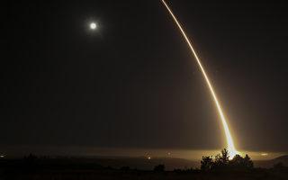 今年5月3日,美軍在范登堡基地試射ICBM。 (Photo credit should read RINGO CHIU/AFP/Getty Images)