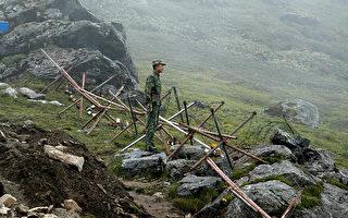 中印边界对峙进入第7周,双方仍僵持不下。(DIPTENDU DUTTA/AFP/Getty Images)