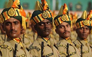 中印對峙結束後,印度邊防部隊把中文和藏語列為新兵的訓練課程之一。(PRAKASH SINGH/AFP/Getty Images)