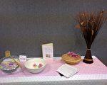 中华茶文化学会13日以香花迎宾净手静心,吟诗品茗,体验《七碗茶歌》意境。(袁玫/ 大纪元)
