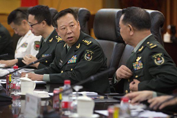 传现任中共陆军司令李作成将爆冷补位军委副主席。(MARK SCHIEFELBEIN/AFP/Getty Images)