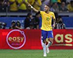巴西球星内马尔即将离开西甲豪门巴塞罗那,转投法甲劲旅巴黎圣日耳曼。(Buda Mendes/Getty Images)