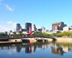 加拿大统计局8 月2 日发布的2016人口普查报告显示,魁北克英、法语人群比例有所改变,讲法语人群比例有所下降,而讲英语和其他语言人数的比例均呈现上升。图为蒙特利尔老港景色。(易柯 / 大纪元)
