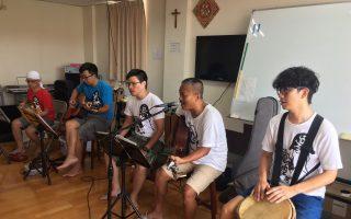 面包车乐团丰富多元的音乐引起患者共鸣。(圣马尔定医院提供)