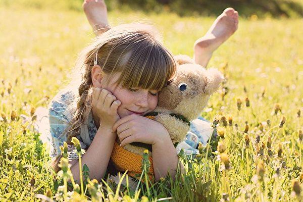 生死有命富貴在天,活得坦蕩就幸福。(Pixabay)