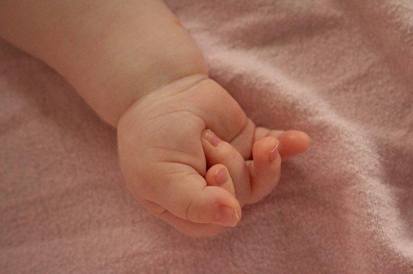 戒指戴在无名指上有很多原因,现在要告诉你的这个,一定会让你感动。(Pixabay)
