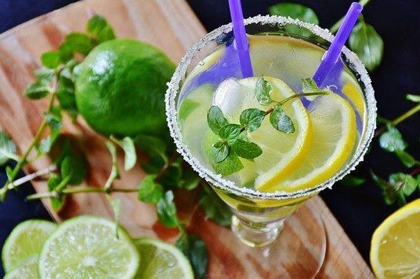 炒菜时放点柠檬汁比任何调料都提味,还能除味净油好处太多了!(pixabay.com)