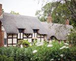 象征财富和高贵,英国人爱住茅草屋。(Peter Macdiarmid/Getty Images)