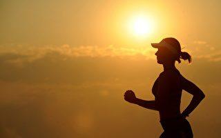 年轻女性每周适度运动的时间不足2.5小时。(Pixabay)