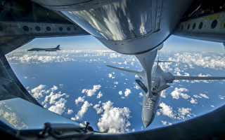 美轰炸机飞越朝鲜附近上空 F-15C战机护驾