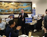 Jason Kenney與卡爾加里華人選民齊聚揚子江飯店暢談施政理念。(王穎/大紀元)
