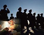 中共军队和武警深涉活摘器官罪恶。(大纪元合成)