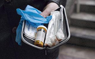 加拿大魁省卫生部宣布将免费在药店提供芬太尼中毒的解药纳洛酮(naloxone),以挽救过量吸入芬太尼者性命。图为纳洛酮抗芬太尼中毒急救包。(加通社)