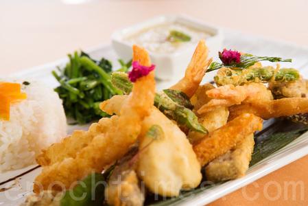 海鮮蔬果飯,單客480元。(莊孟翰/大紀元)