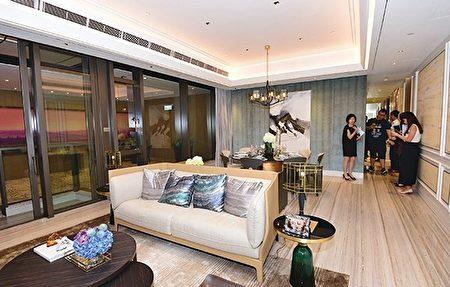 尚珩昨開放位於九龍灣傲騰廣場3樓的示範單位。(郭威利/大紀元)