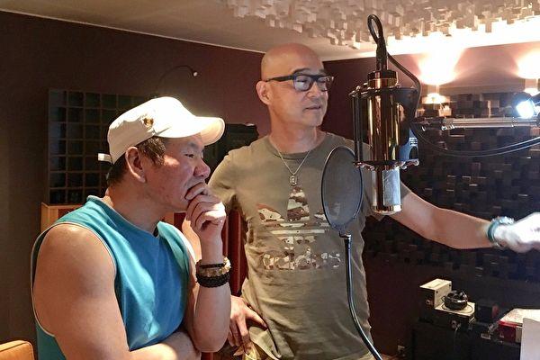 趙傳(左)新歌《解脫的自由》只花了2小時就錄製完成,且無可挑剔,反倒讓製作人王治平為用「哪個版本」而頭疼了。(旋風音樂提供)