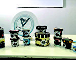 市面9個雪糕品牌共29款樣本,經生物毒性測試後發現有35%(10個樣本)不合格,毒性懷疑是多種添加化學物質混合出現「雞尾酒效應」所致。(張曉慧/ 大紀元)