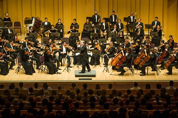 2017神韵交响乐团在屏东演艺厅演出