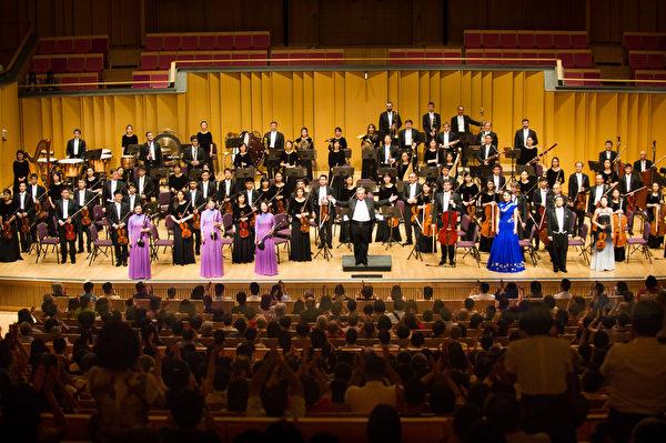 2017年9月24日午,神韵交响乐团于屏东演艺厅举行演出。(罗瑞勋/大纪元