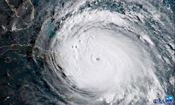 2017年9月8日美國東部時間上午8時颶風艾瑪前往古巴海岸時的衛星圖像。(AFP PHOTO / NOAA/CIRA / HO)