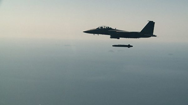 应对平壤连接核武测试挑衅,韩国军方周二(9月12日)进行实弹演习。(AFP PHOTO / South Korean Defence Ministry)
