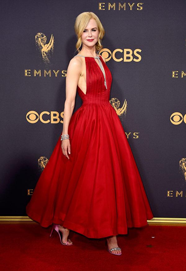 《大小谎言》(Big Little Lies)主演妮可‧基德曼(Nicole Kidman)走红毯。(Frazer Harrison/Getty Images)