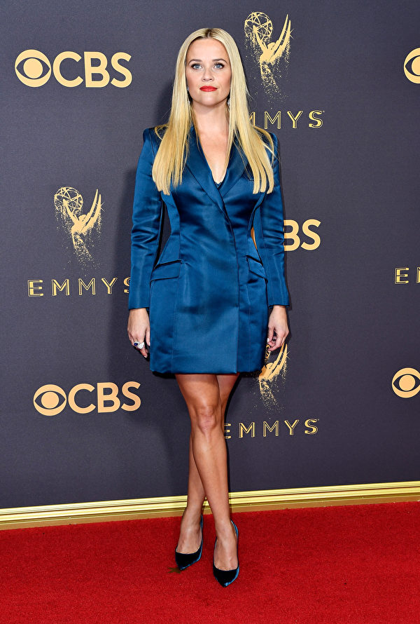 《大小谎言》(Big Little Lies)主演瑞茜‧威瑟斯彭(Reese Witherspoon)走红毯。(Frazer Harrison/Getty Images)