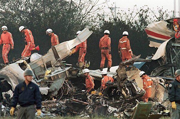 1994年4月26日名古屋空難造成200多人死亡,其中一名罹難者就是陳建州的父親。 (Photo credit should read KAZUHIRO NOGI/AFP/Getty Images)