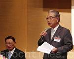 工总理事长许胜雄(右)表示,一例一休让社会、国家付出的代价太高,应赶快改。(郭曜荣/大纪元)