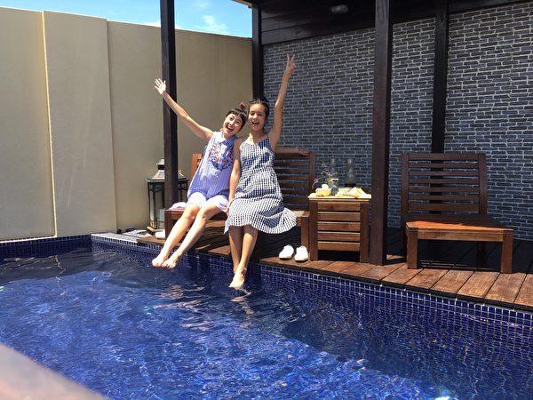《食尚玩家》莎莎、巴鈺在澎湖民宿。(TVBS提供)