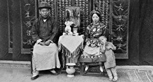 美国人鞋盒里发现68张民国初期老照片 轰动全世界