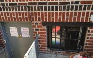 有些華人還會把地下室改建後出租,圖為布碌崙一戶華人家庭的地下室被查封。 (大紀元資料圖片)