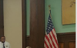 9月20日市议会教育委员会讨论纽约市成人教育问题。 (王新一/大纪元)