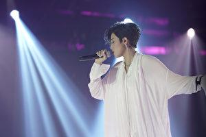 """22日,台湾歌手A-Lin举行""""I'm A-Lin 新歌演唱会""""。(索尼音乐提供)"""