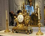 2017巴黎古董双年展,参展的艺廊都是经过古董商工会严格的审核,收藏品具有很高的艺术水平和收藏价值。(关宇宁/大纪元)
