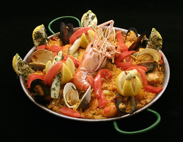 西班牙肉菜饭。(fotolia)