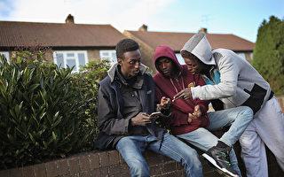 为什么大批非法移民首选到英国