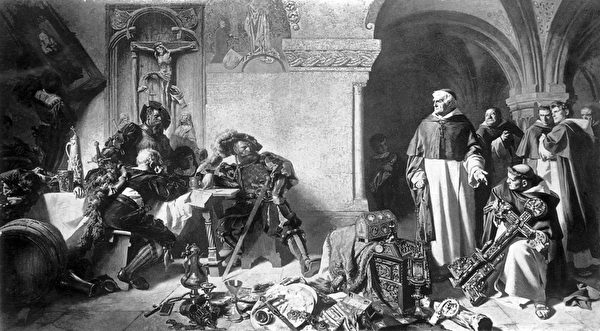 亨利八世派人收走天主教会下属的修道院的财产。(Photo by Rischgitz/Getty Images)