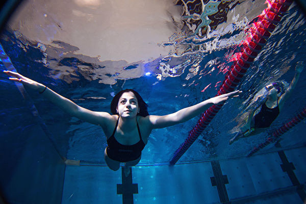加入里约奥运联合国难民代表队的马迪尼,2016年3月于德国柏林的奥运训练营。(Alexander Hassenstein/Getty Images)