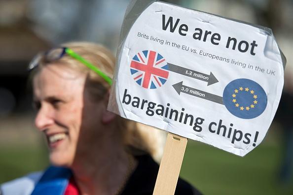 英國計劃脫歐之後繼續歡迎有技術的歐盟移民,但是低技術移民可能會面臨嚴格的限制。( JUSTIN TALLIS/AFP/Getty Images)
