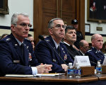 美国战略司令部司令约翰•海腾(左二)在首都华盛顿表示,对于朝鲜,美国拥有强大威慑力。(Alex Wong/Getty Images)