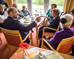 在德國即將到來的9月24日大選中,三分之一的選民年齡至少在60歲以上,五分之一的選民年齡超過70歲。   (JENS BUTTNER/AFP/Getty Images)