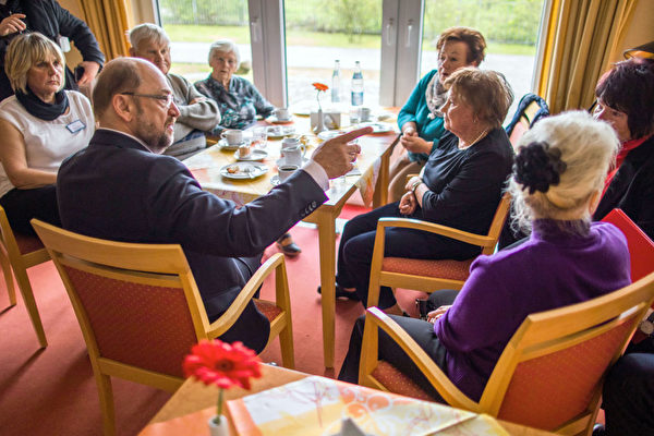 在德國即將到來的9月大選中,三分之一的選民年齡至少在60歲以上,五分之一的選民年齡超過70歲。  (JENS BUTTNER/AFP/Getty Images)