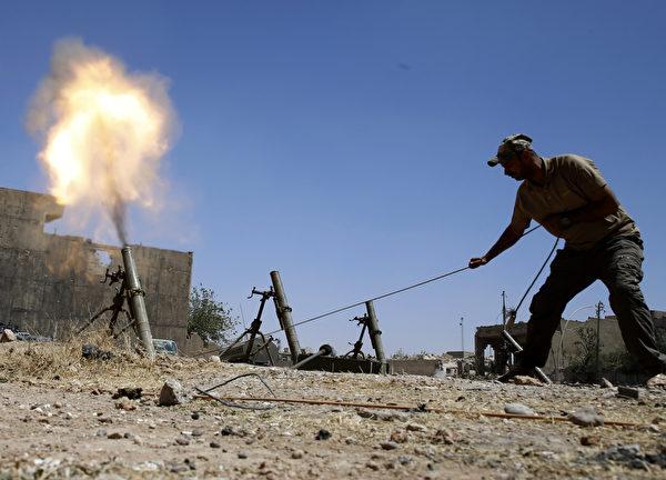 迫擊砲。(KARIM SAHIB/AFP/Getty Images)