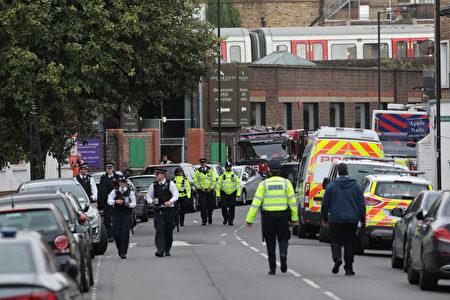 警方週日(9月17日)宣布,跟倫敦帕森斯綠色地鐵站攻擊案有關的第二名嫌犯週六被捕。倫敦的恐怖威脅警戒級別已經降為嚴重。( Jack Taylor/Getty Images)