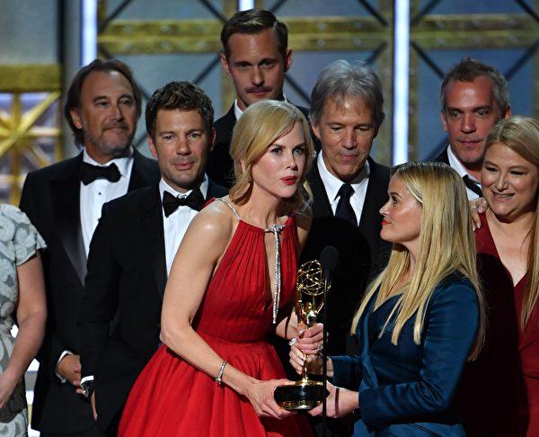 阿汤哥前妻妮可·基德曼以《美丽心计》获得迷你影集或电视电影最佳女主角 (FREDERIC J. BROWN/AFP/Getty Images)